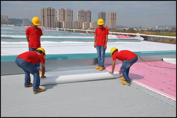 TPO防水卷材施工现场